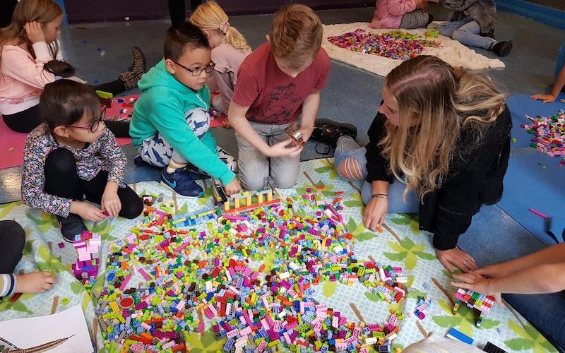 Leiding bij LEGO workshops gezocht